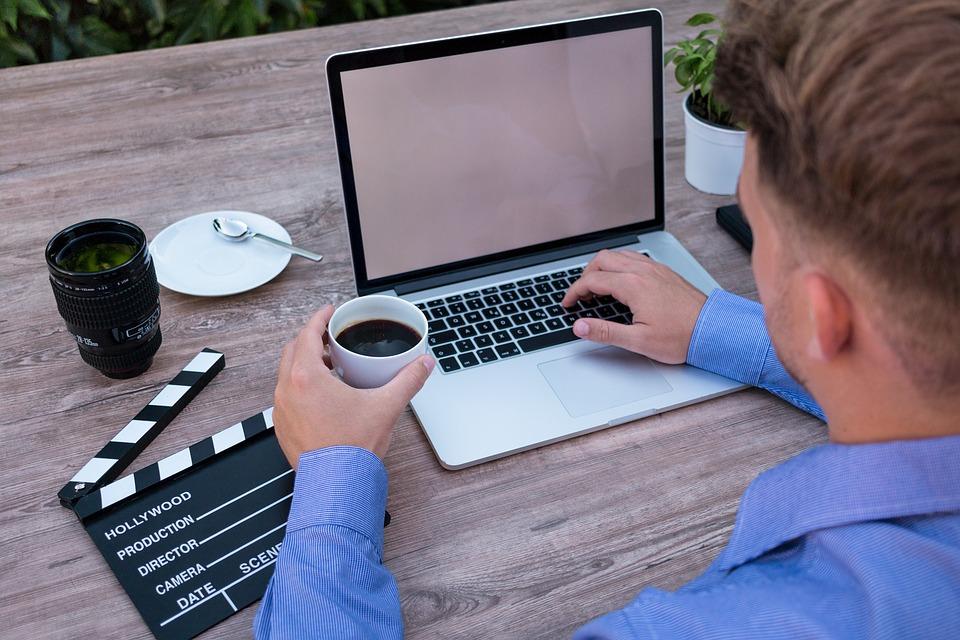 アップロード先:WEB系のフリーで仕事をしている人に用心 詐欺まがいな仕事が多発